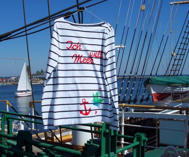 Mehr Meer! Handbedrucktes Ringelshirt für Sommersonnentage.